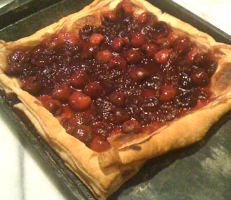 Puff pastry with cherries