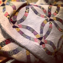 Double wedding ring quilt, from SarcasticBlogger