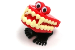From https://www.neatoshop.com/product/Wind-Up-Vampire-Teeth
