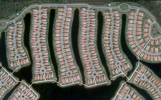 Part of Verona Walk, a gated community in Naples, Florida. Map. (© Google)